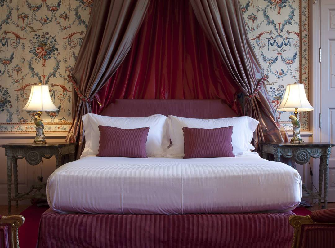 Bed pierre robineau room - luxury accommodation provence