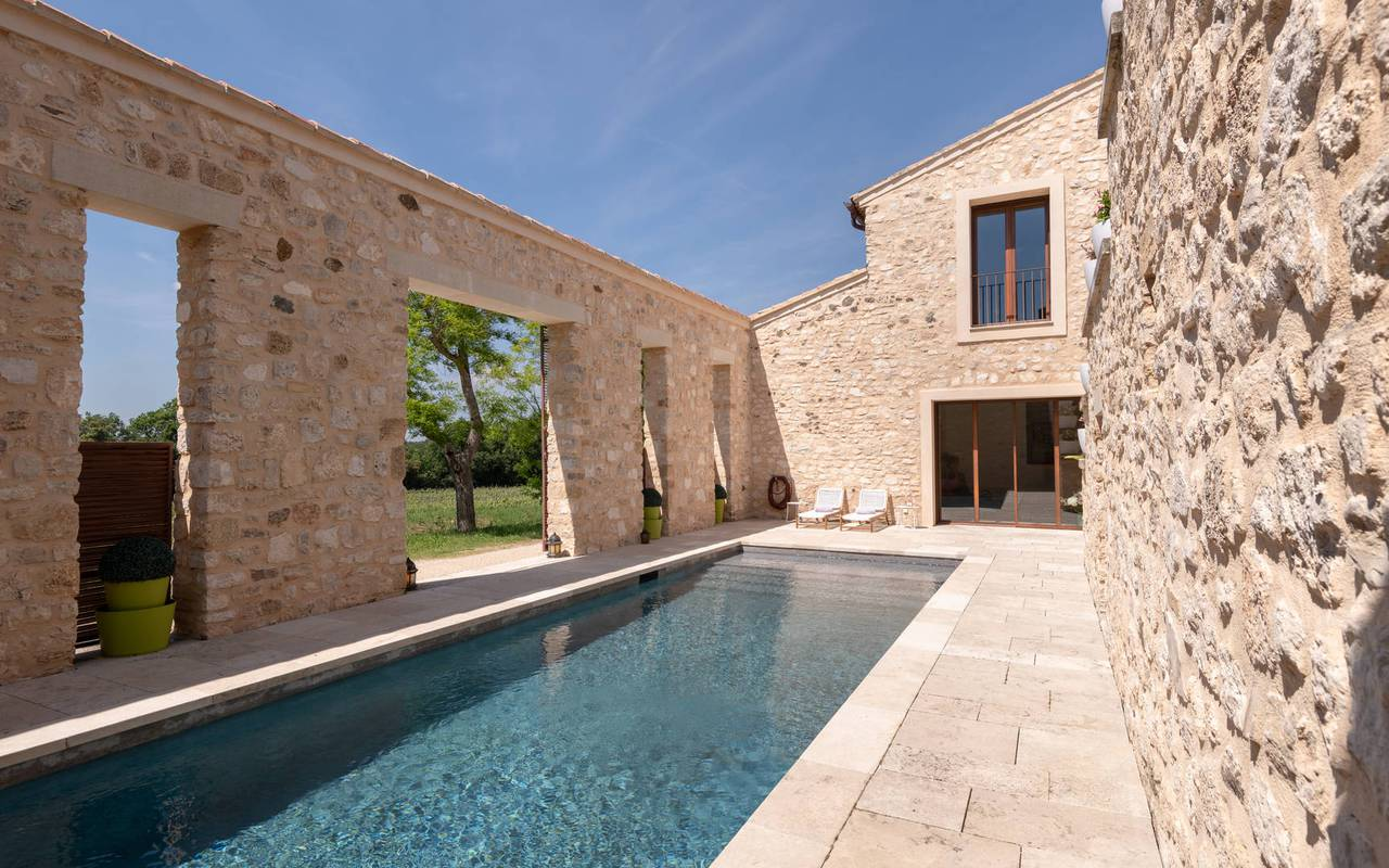 Swimming pool villa les granges - luxury accomodation provence