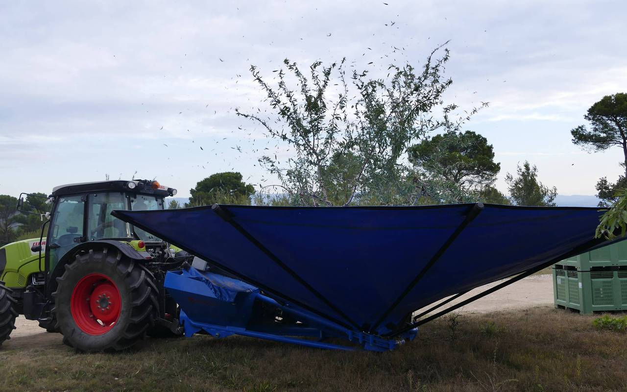 agricultural machinery - provence wine tours