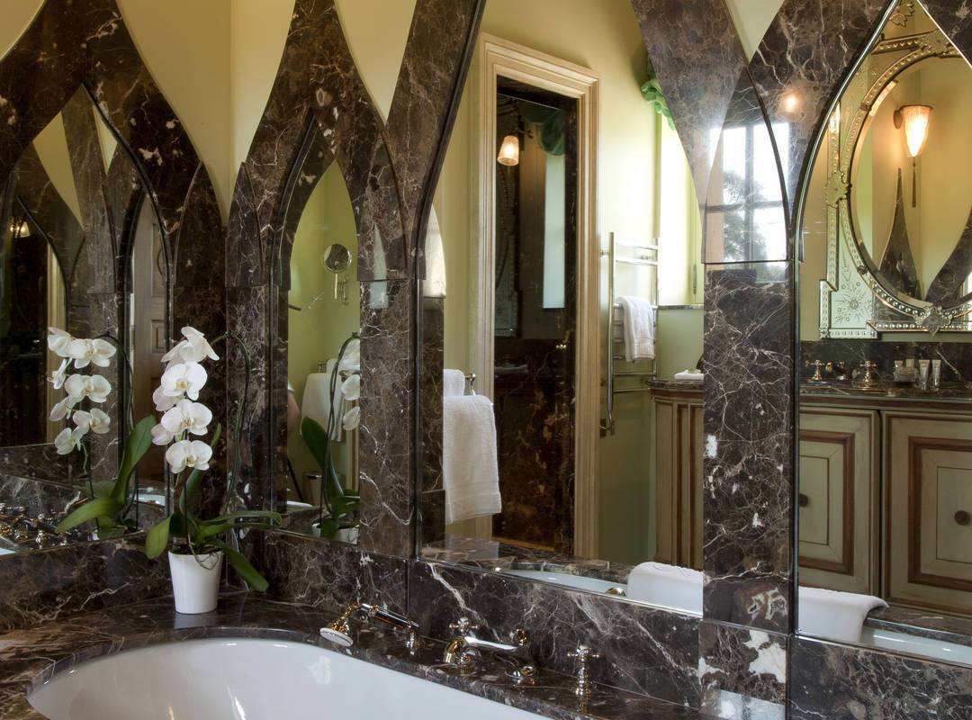 baignoire dans la chambre guillaume de jullien - maison d hote aix en provence