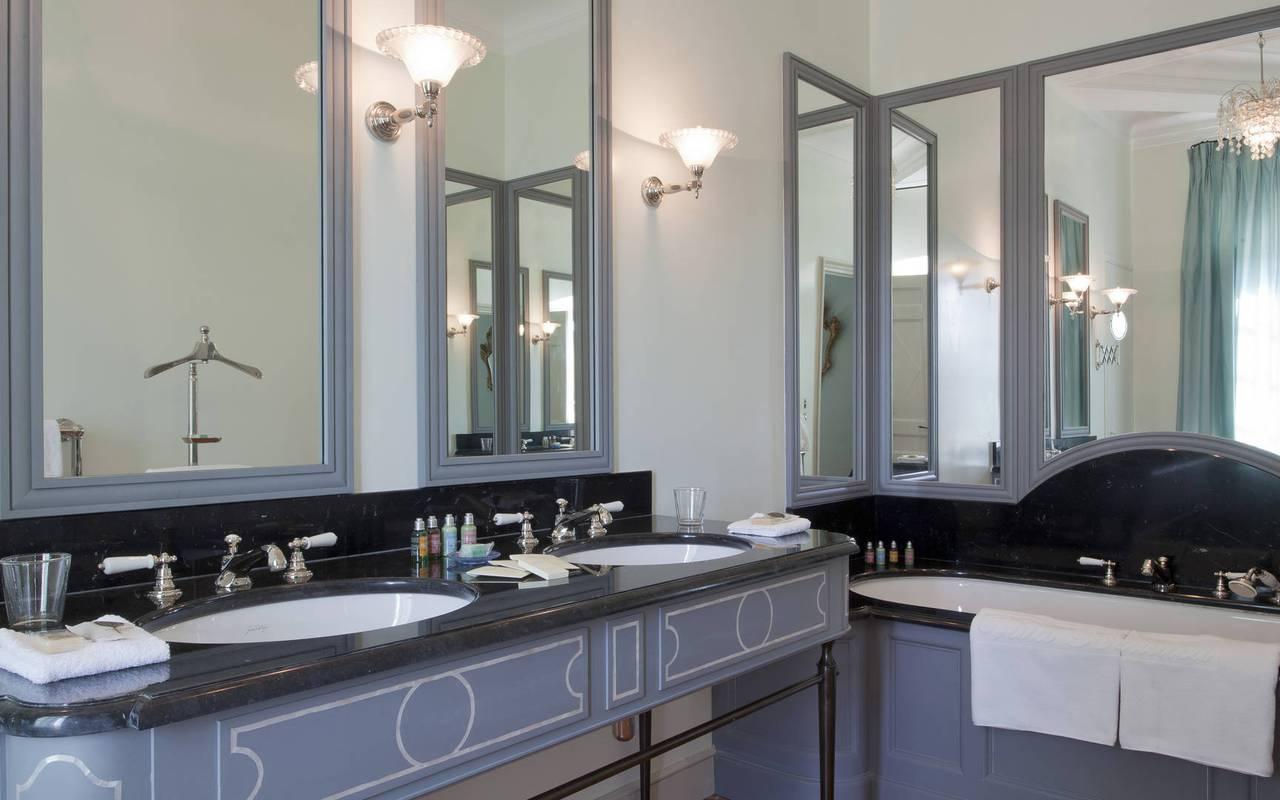 salle de bain chambre pierre doraison - vignoble provence