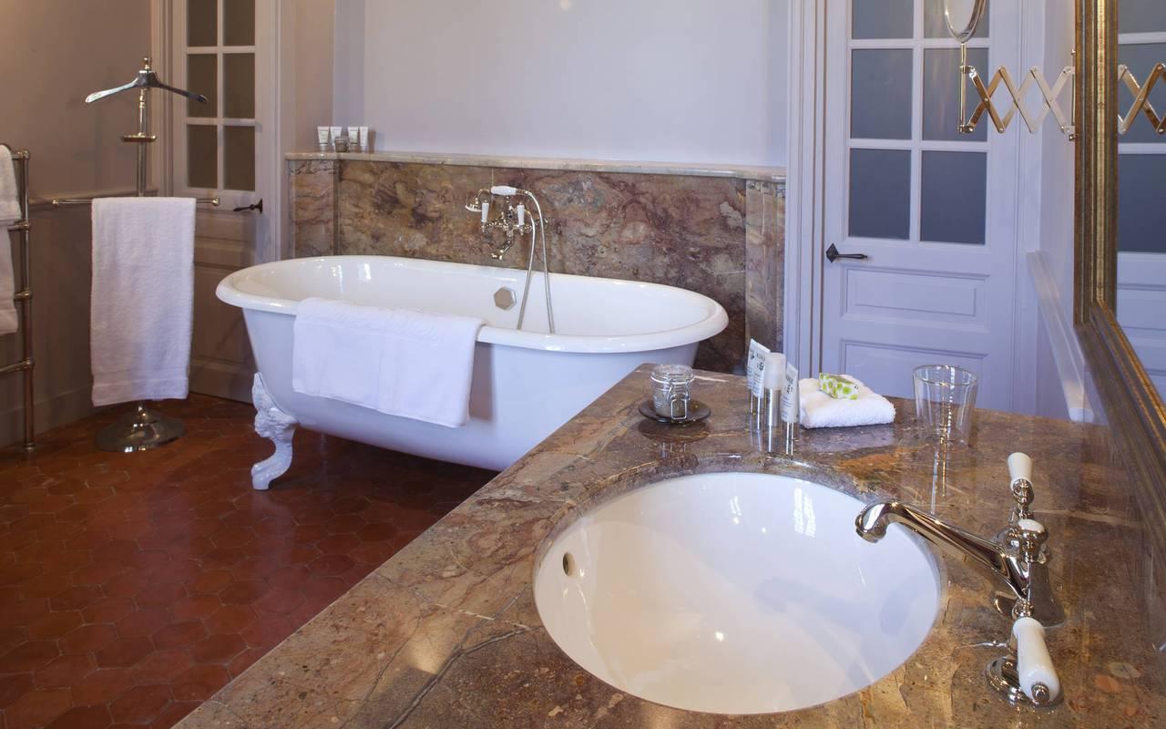 Salle de bain chambre pierre robineau - domaine viticole aix en provence