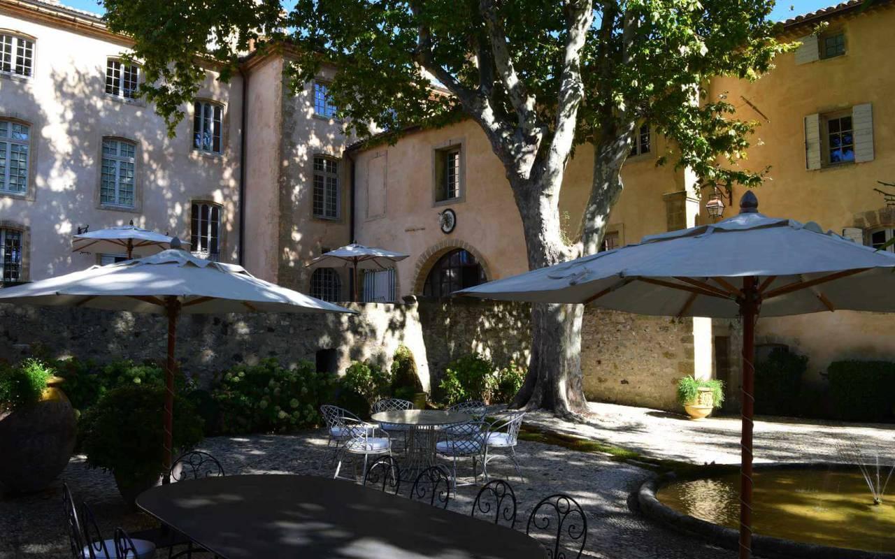 Cour villa - maison d hote aix en provence