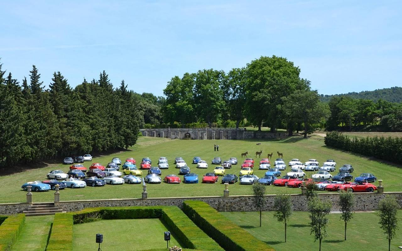 exposition voitures anciennes villa baulieu - maison d hote aix en provence